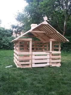 Jak zbudować domek dla dzieci z palet