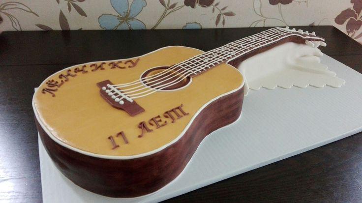 Торт-гитара с мастикой. Acoustic guitar cake.