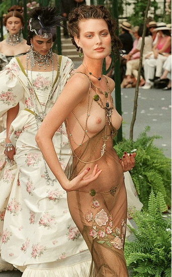 I can never forget Shalom Harlow! Shalom Harlow in Fall 1997 Dior couture show