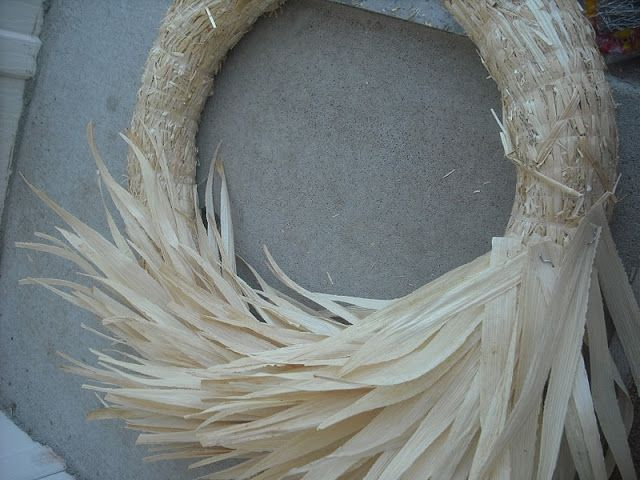 Lakeshore Cottage Living: Corn Husk Wreath::Tutorial