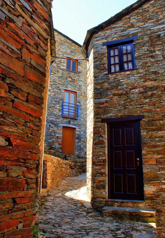 Stone houses at the Country :Portugal Village: Piódão Photo: VisitPortugal