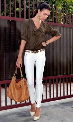 ~: White Skinny Jeans, Outfit, Dresses Shirts, White Pants, Dark Green, Animal Fashion, Fashion Styl, White Jeans, Belts