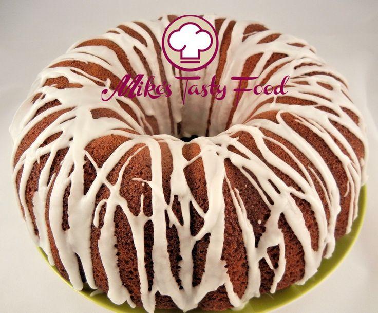 Ciambella allo zenzero, mandorle e glassa al limone Donut ginger, almonds and lemon icing IngredientiGrammiOnce Burro1806-1/2 Zucchero1806-1/2 Latte fresco200 millilitri6-1/2 us. fl. oz. Uova44 Lievito baking200,70 Farina bianca35012 Farina di mandorle150 5-1/2 Fecola di patate1003-1/2 Zenzero5 0,17 Albume d'uovo10 0,35 Zucchero a velo60 2 Succo di limone30 millilitri1 us. fl. oz.