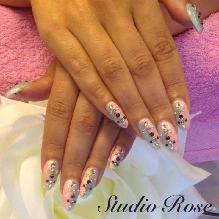 Blue pink and diamonds nails. LCN timanttikynnet.