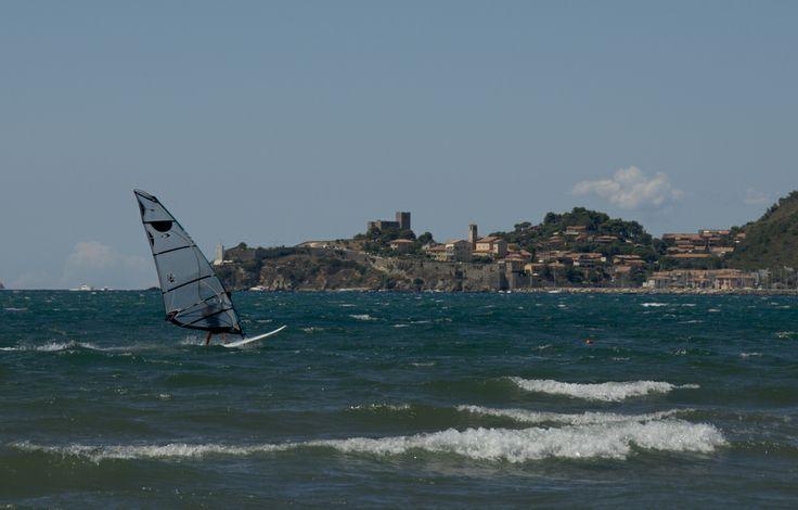 Het strand van Talamone bij Orbetello (Grosseto)