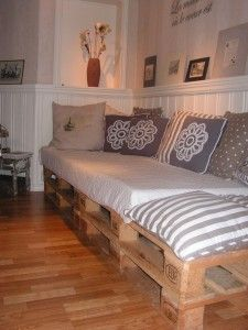 Mod Pallet Couch  6 Pallets + Old Mattress + Pillows + Large Piece Of Scrap Fabric = Hip Upcycled Couch  http://ecocrazymom.com/trash-to-treasure-fun-upcycling-ideas-for-earth-day-everyday/#comment-6655