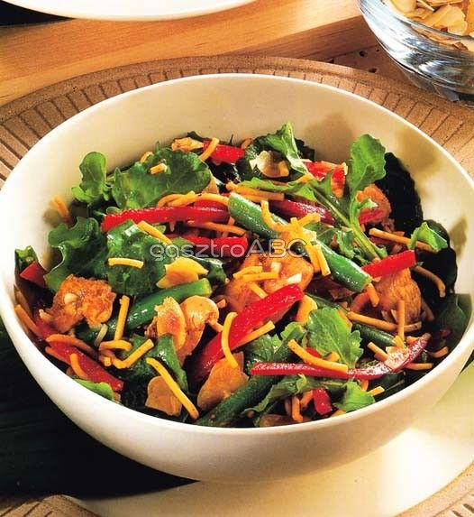 Meleg currys csirkesaláta | Receptek