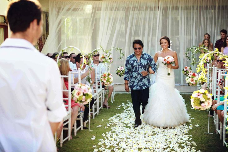 she is so pretty as she walks down the aisle #bride - #baliwedding - #weddings - #baliweddingplanners - http://lilyweddingservices.com/
