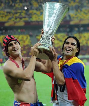 A double by Colombian striker Radamel Falcao inspired Atletico Madrid to   a 3-0 win over fellow Spaniards Athletic Bilbao in Bucharest on   Wednesday as they claimed their second Europa League trophy in three  seasons. http://sports.ndtv.com/football/news/item/189730-superb-falcao-lands-europa-league-crown-for-athletico-madrid
