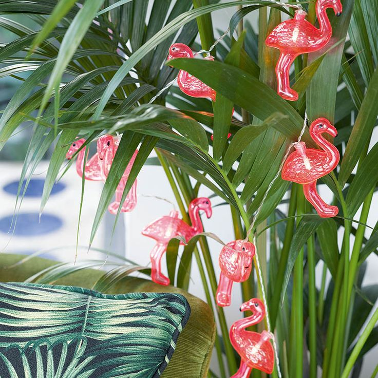 Brighten up your party with these flamingo lights! A tropical addition to any summer party, luau, flamingo or Moana party. 8 LED Flamingo Lights on 1.25 length