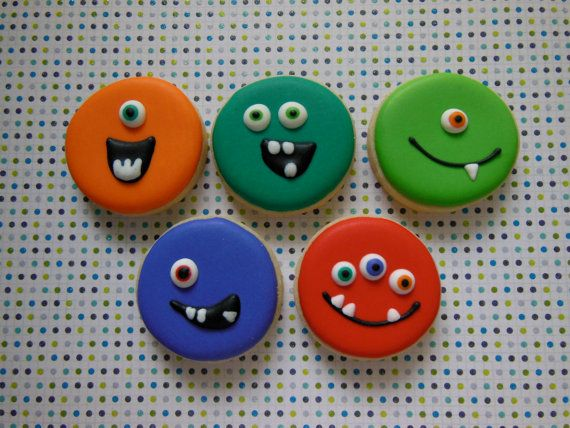 Hey, I found this really awesome Etsy listing at http://www.etsy.com/listing/163458349/monster-sugar-cookies-1-dozen