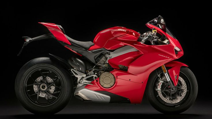 Ducati Panigale V4 - MotoSport - MotoSport