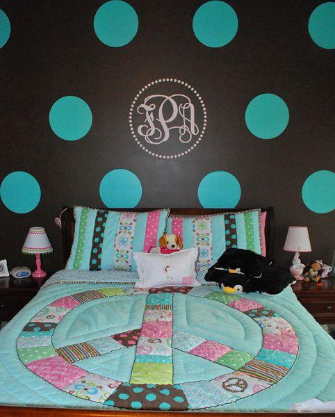 Remodelaholic   Tween Bedroom With Polka Dot Walls!