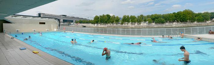 Piscine Joséphine Baker - outdoor pool along the Seine good for getting out with kids in Summer
