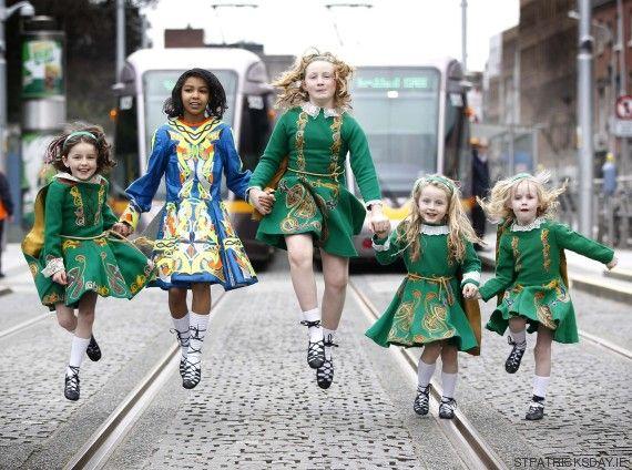 Patrick's Festival in Dublin St Patrick's Day Costumes, Cool Costumes, Dance Costumes, Irish Step Dancing, Irish Dance, Bagpipe Music, Happy St Patricks Day, Saint Patricks, Saints