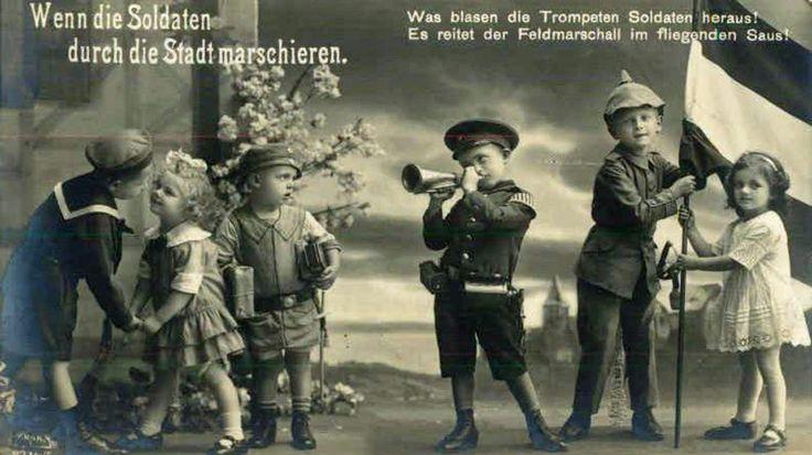 Vanaf de eerste dag van de Eerste Wereldoorlog werden kinderen gebruikt in de propaganda en werden ze ook het doelwit van die propaganda. De komende generatie moest er voor zorgen dat ook in de toekomst oorlog gevoerd kon worden.