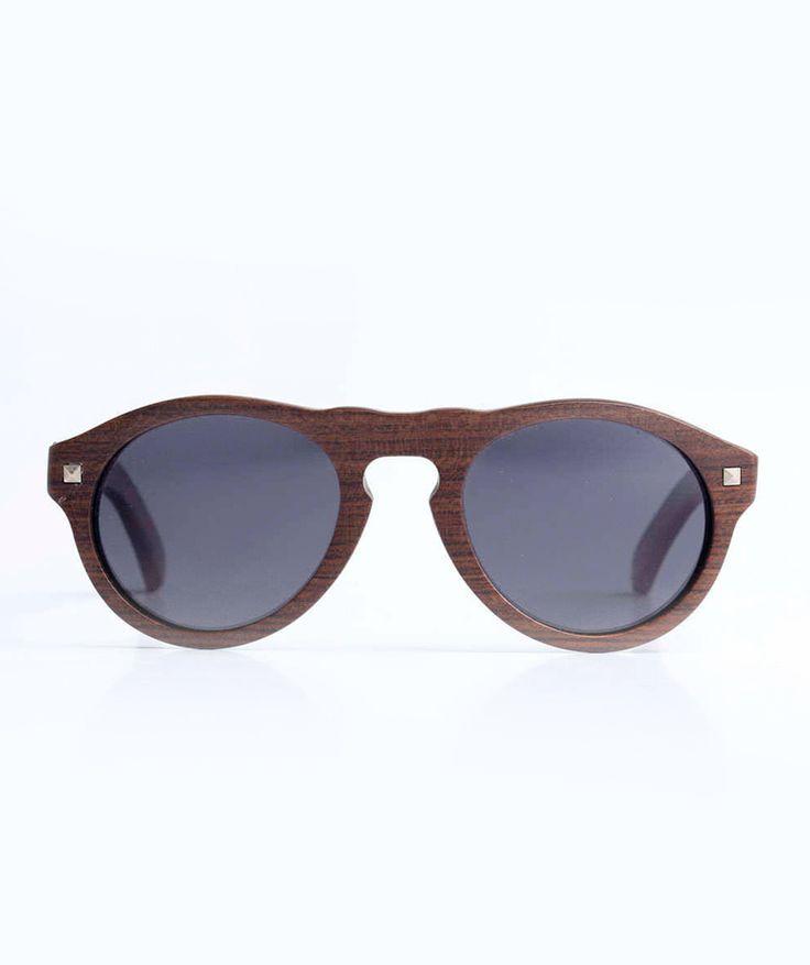 McQueen - Gafas Madera. $180.000 COP (Envío gratis). Encuentra más ideas de regalos para Amor y Amistad en https://www.giferent.com/regalos-amor-y-amistad