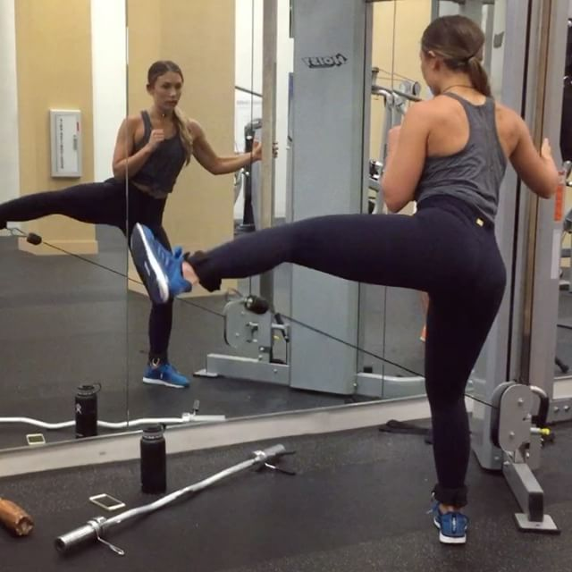 1000+ Ideas About Cable Machine Workout On Pinterest
