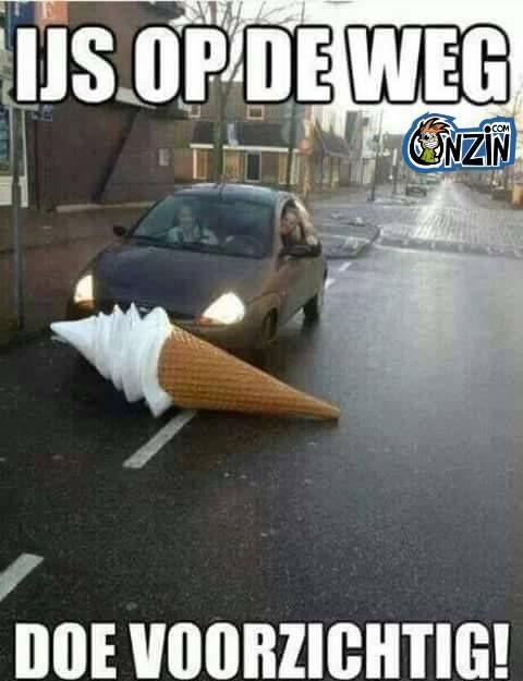 ijs op de weg, rij voorzichtig