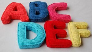 Free Crochet Pattern Letter B : 1000+ images about Letras decorativas on Pinterest Corks ...