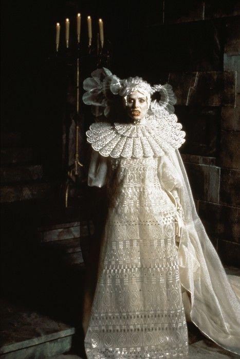 Bram Stoker's Dracula, Francis Ford Coppola. Costume designer: Eiko Ishioka