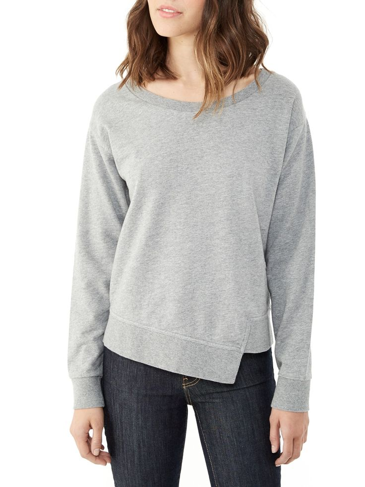 An asymmetrical hem modernizes the classic crew in this lightweight Eco Micro Fleece sweatshirt.