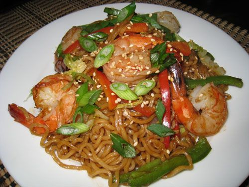 This is a great recipe, but in Hawaii, we can find fresh saimin noodles everywhere, which tastes unbelievable!