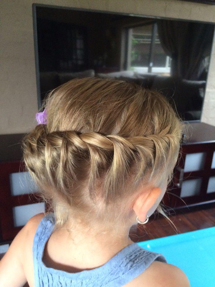 Side twist hairdo