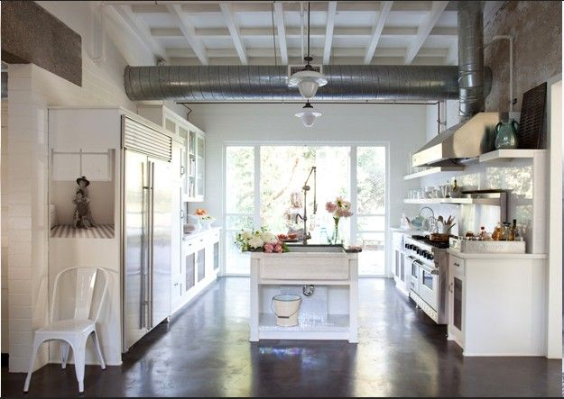painted ceiling, dark stain on floor, white walls... this is my color scheme!