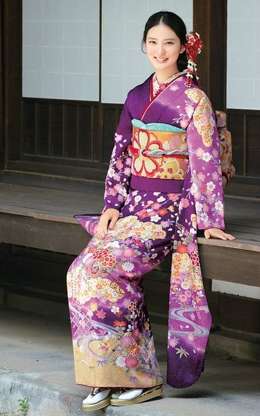 Emi Takei(Japanese actress) in hulisode. Hulisode: long sleeved formal kimono, single women only