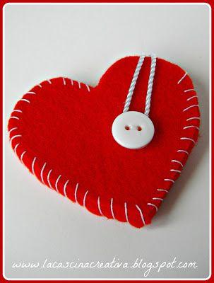 Taschina a cuore in feltro per piccoli regali