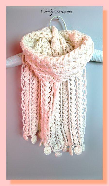 écharpe à la fourche fil à tricoter de couleur écru effet dentelle : Echarpe, foulard, cravate par chely-s-creation