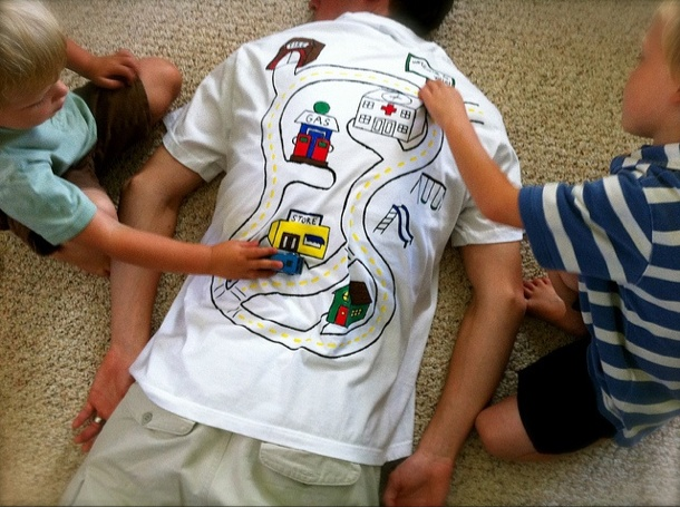 How to get your babies to give you a back massage. Nice for daddy but what about us mums too!