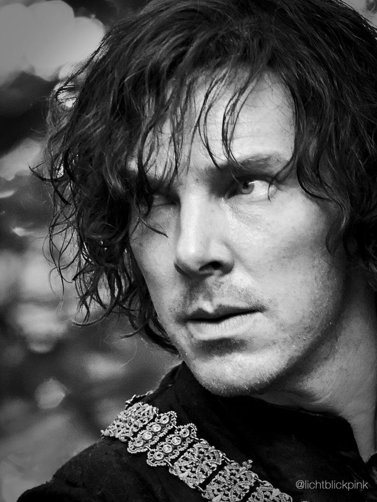 I can not love this picture enough!!!  The Hollow Crown - Richard III