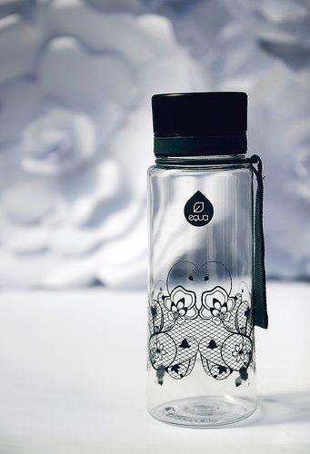 EQUA Lace Black bottle