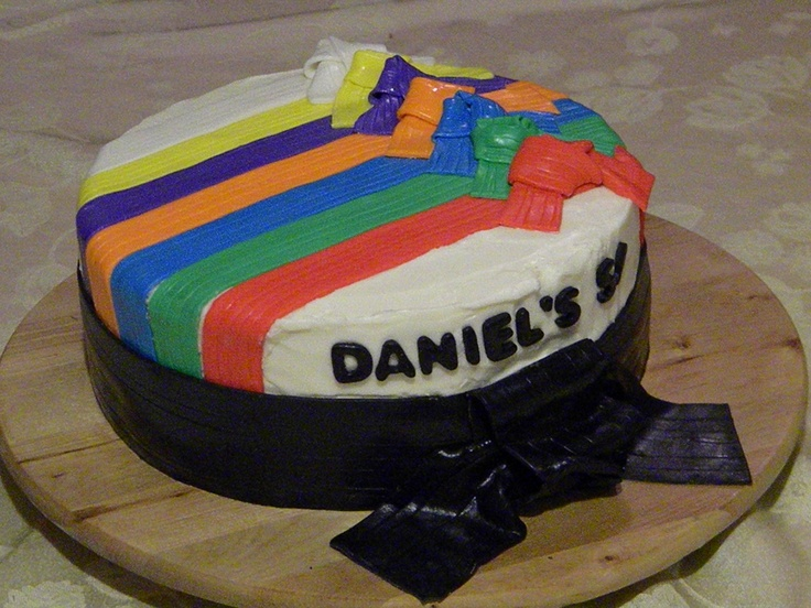 Martial Art Cake Ideas : 103 best images about Cakes & biscuits for Martial Artists ...