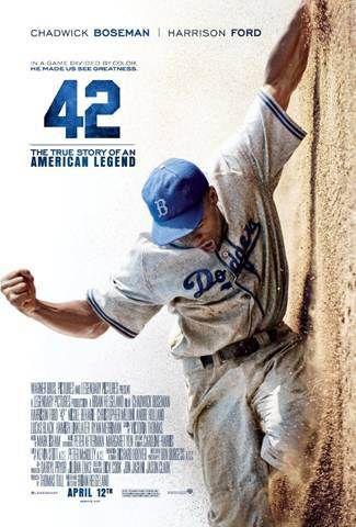 42 película basada en hechos reales donde cuenta la historía del beisbolista robinson primer jugador afroamericano en jugar beisbol profesionalmente