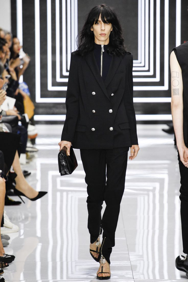 ladies spring jackets Versus Versace Spring 2016 Ready to Wear Collection Photos   Vogue