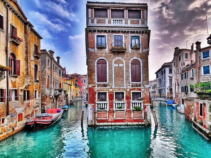 http://traveleze.strikingly.com/blog/beautiful-unesco-sites-in-italy