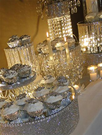 glittery, shimmery tablescape  www.tablescapesbydesign.com https://www.facebook.com/pages/Tablescapes-By-Design/129811416695