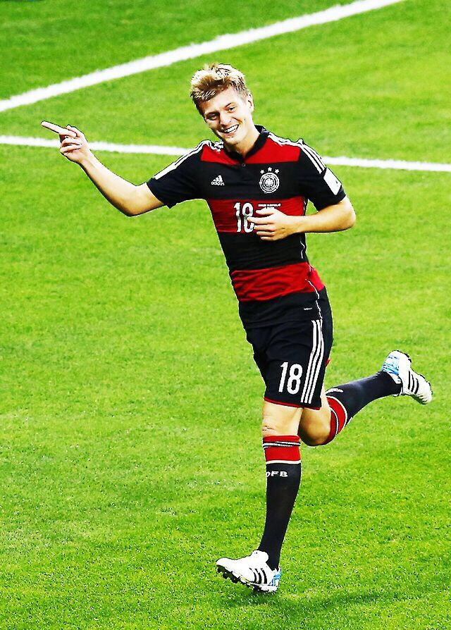Toni Kroos being the adorable individual that he is