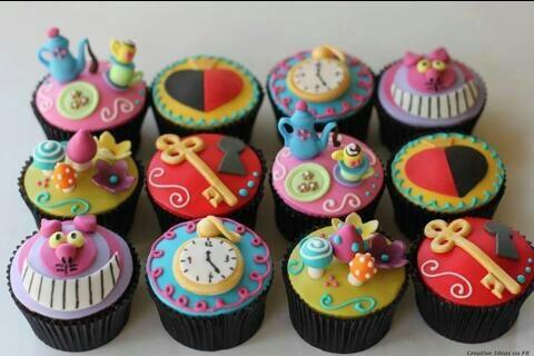 Cupcakes de Alicia en el pais de las maravillas