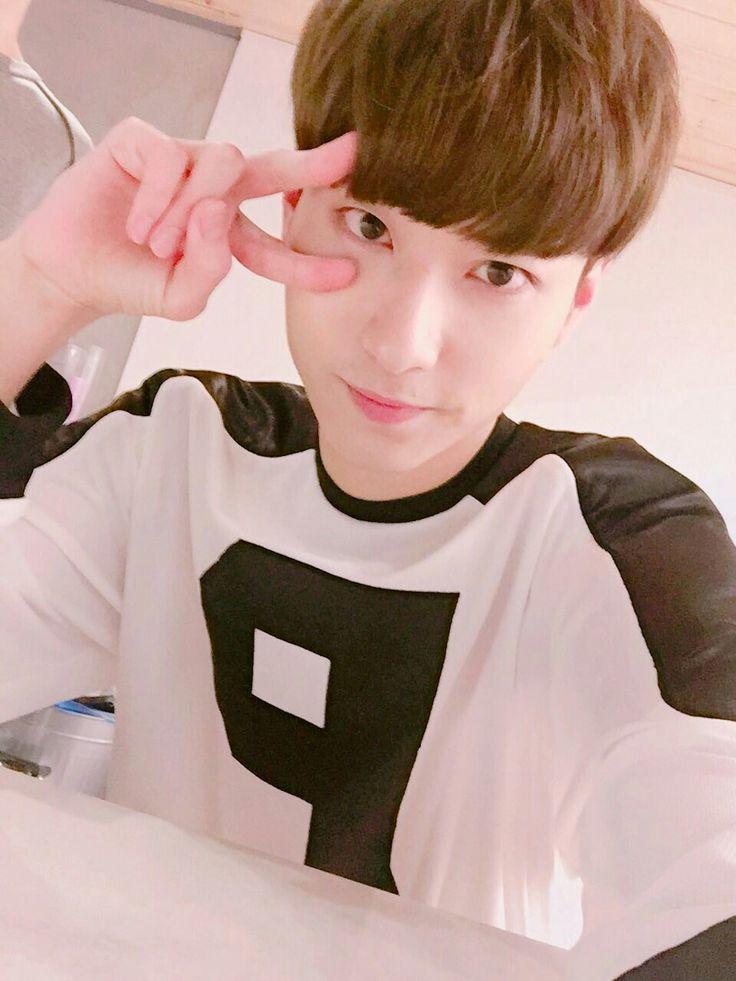 Jin! { #Jin #ParkYoungJin #MVP #PHEntertainment #Kpop } ©Twitter