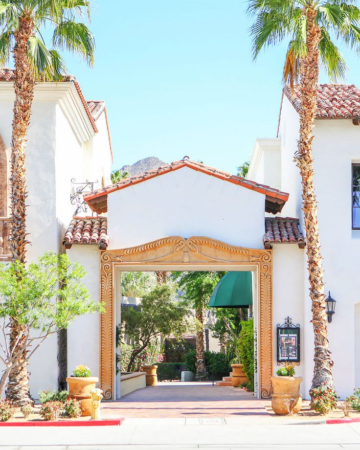 Desert Escape: La Quinta, California - Kelly Golightly