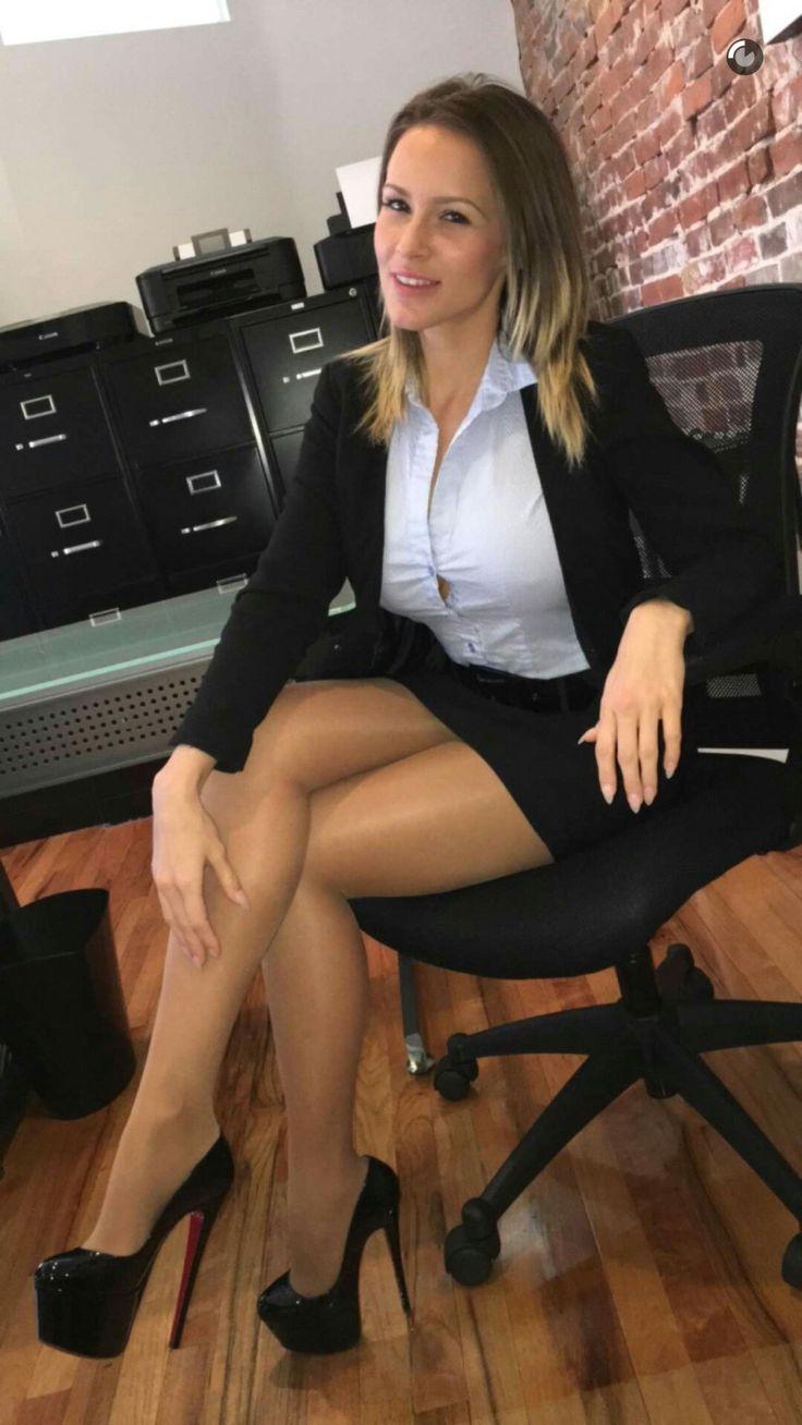 Sexy Beine High Heels blonde Frauen