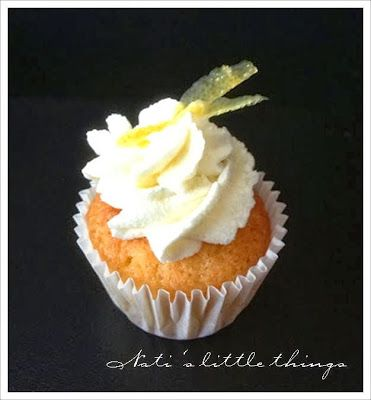 Nati's little things: And a little baking....