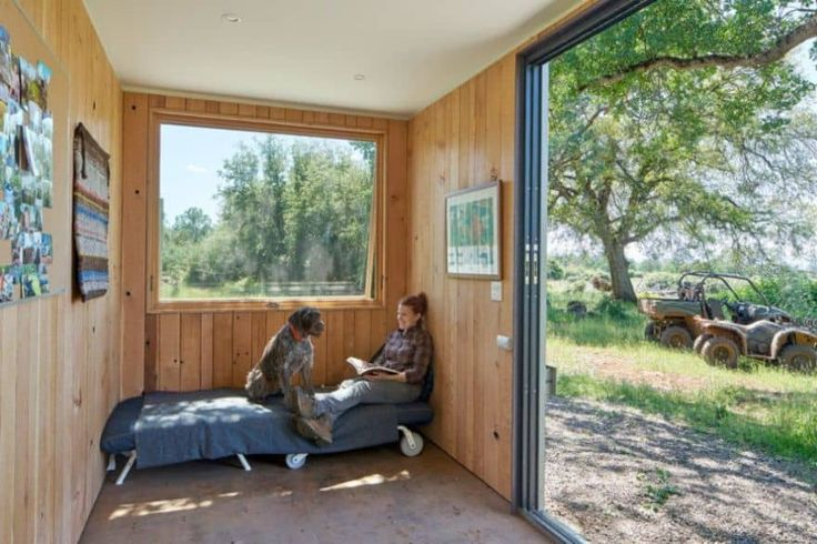 Off-grid shipping container cabin by YAMAMAR Design