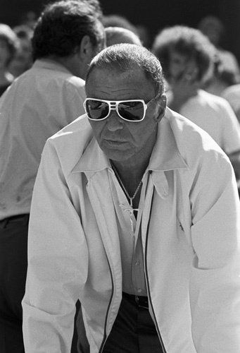 Frank Sinatra at a Los Angeles Dodgers World Series game: Greatest Photo, Public Photo, Franksinatra, First Photo, The Angel, Movies, Medium, Events Photo, Frank Sinatra
