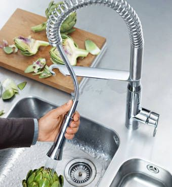 Pull-out & Pull-down Kitchen Tap Sprays transform the kitchen sink into a multifunctional work zone.