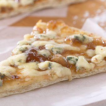 Stone Wall Kitchen's Roasted Garlic Onion Jam Pizza, Yummm!!